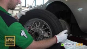 Controllo dei pneumatici - Euromaster alla Mille Miglia 2017
